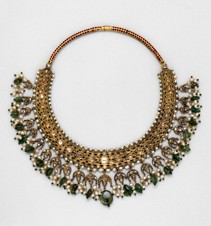 Necklet, enamelled gold, set with diamonds and pearls, with pendent pearls and emeralds, India, circa 1850