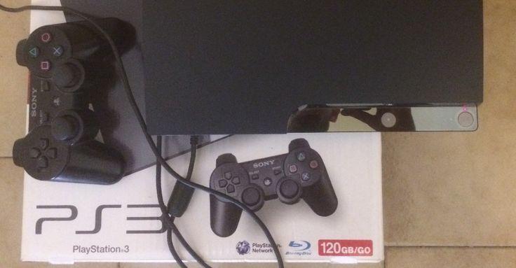 Vendesi PS3 slim 120 GB + controller + 8 giochi tra i quali GTA V