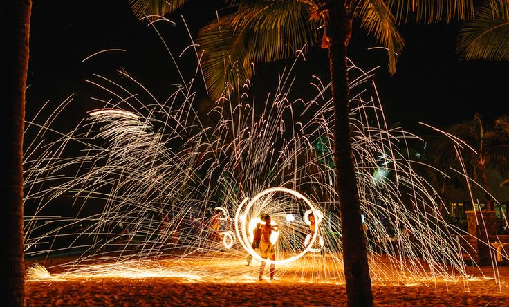 Fiji Wedding Reception | Fire Dancers | Intercontinental | Leanna and Ben | Three Loose Coconuts | www.iwasmarriedinfiji.com