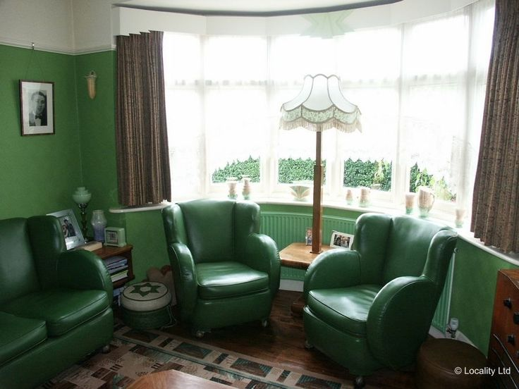 1930,1930's, 1930s retro,vintage,house,home,bedroom,diningroom,room,furniture,furnishings,features,garden, living room | Locality Location Agency Film & Photoshoot Locations