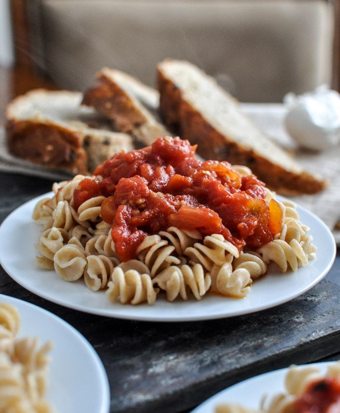 our favorite simple crockpot tomato sauce via @jan issues Howard Sweet Eats