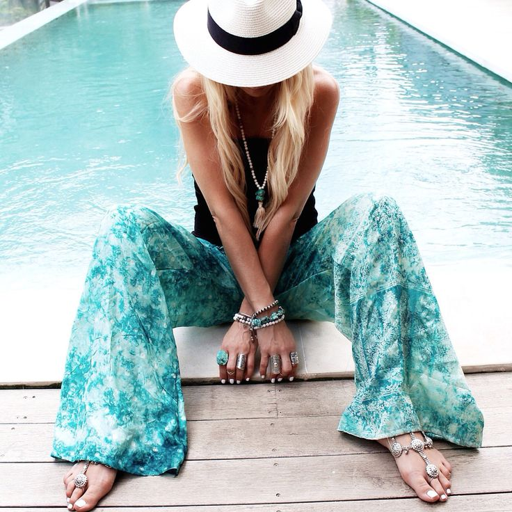 ≫∙∙ boho, feathers + gypsy spirit ∙∙≪ gotta have these pants!