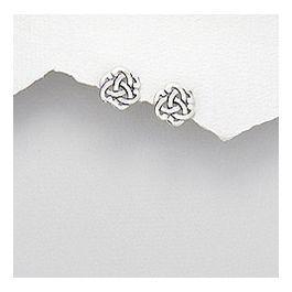 Smukke Shamrock keltiske ørestikker i flot design som passer til alt! De kan bruges til enhver lejlighed , dag og nat !