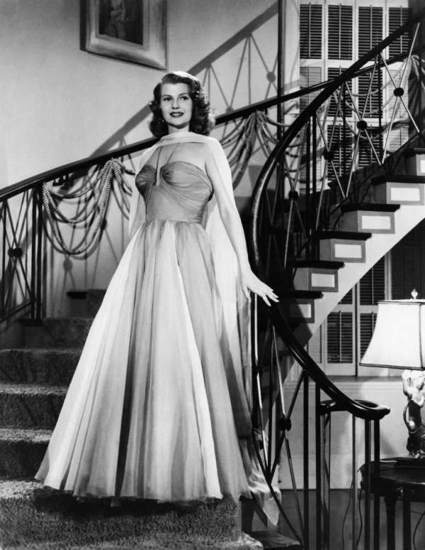 40 Best 1950 S Old Hollywood Glamour Halloween Beauty Look Inspiration Images On Pinterest Hair Dos Vintage Hair And Vintage Hairstyles