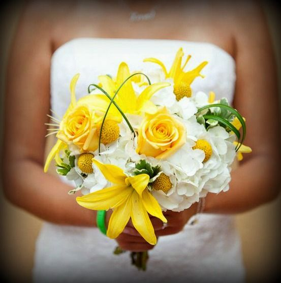 bouquet_bianco_giallo_sposa