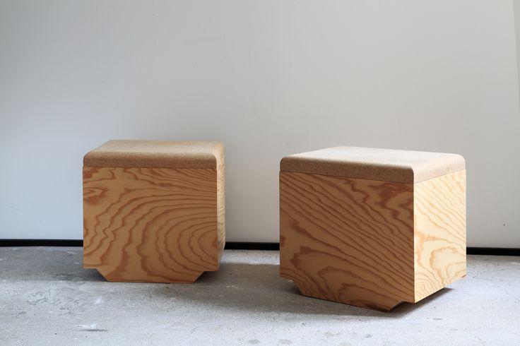 TABOURET-POUF / STOOL WITH CORK TOP / Design Nicolas LANNO