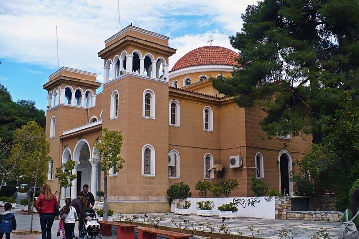 Metamorfosi tou Sotiros Church was built in 1936. (Walking Athens - Route 19 / Kifissia)