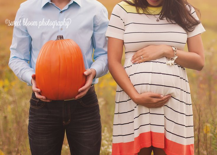 pumpkin maternity photography | Pumpkin Belly | Dayton Ohio Maternity Photographer | Sweet Bloom ...