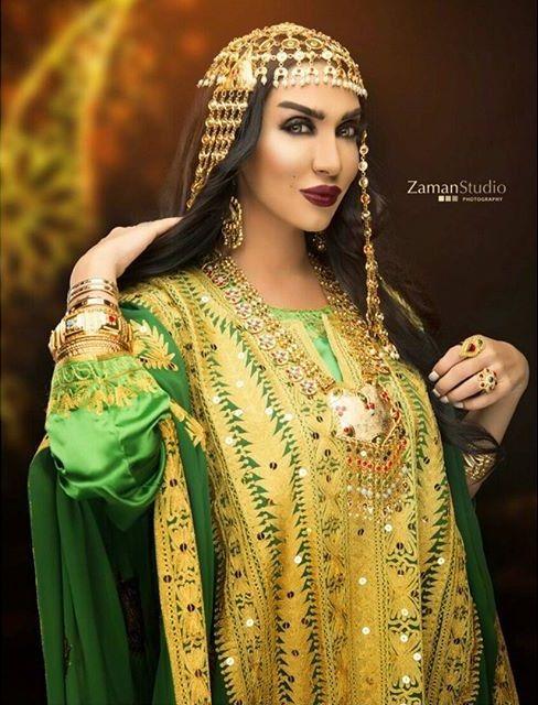 Traditional khaleeji dress. #thobe #jalabiya #kaftan ...