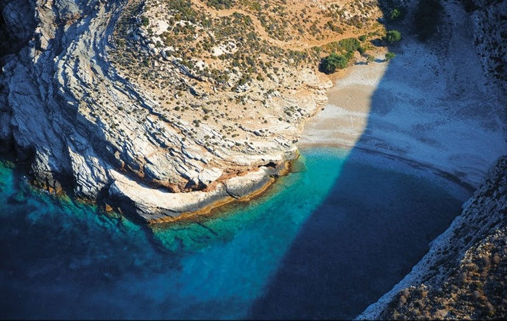 Livadaki Beach, Folegandros. If you love Folegandros, you maybe like our page https://www.facebook.com/pages/Φολέγανδρος/590200344441203