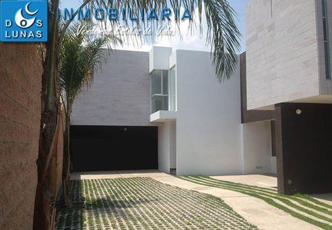 ÚLTIMA CASA EN VENTA EN PRIVADA NIEVE EN GARITA DE JALISCO, SAN LUIS POTOSÍ. CONSTRUCCIÓN 150m2. LOTE 100m2. PLANTA BAJA:  COCHERA 2 AUTOS. RECIBIDOR. 1/2 BAÑO. SALA. COMEDOR. COCINA. LAVANDERIA. PATIO INTERIOR. JARDÍN. PLANTA ALTA:  RECAMARA PRINCIPAL C/VESTIDOR Y BAÑO. 2 RECAMARAS COMPARTEN BAÑO. PRECIO: $1, 875,000.00 PESOS. INFORMES Y MUESTRA DE PROPIEDAD,  COMUNICATE A LOS TELS. 2 54 15 74 Y 2 46 04 13.