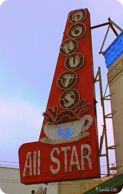 All Star Donuts, 2095 Chestnut Street, San Francisco, CA by Mike Garofalo (Vintage Roadtrip) via Flickr