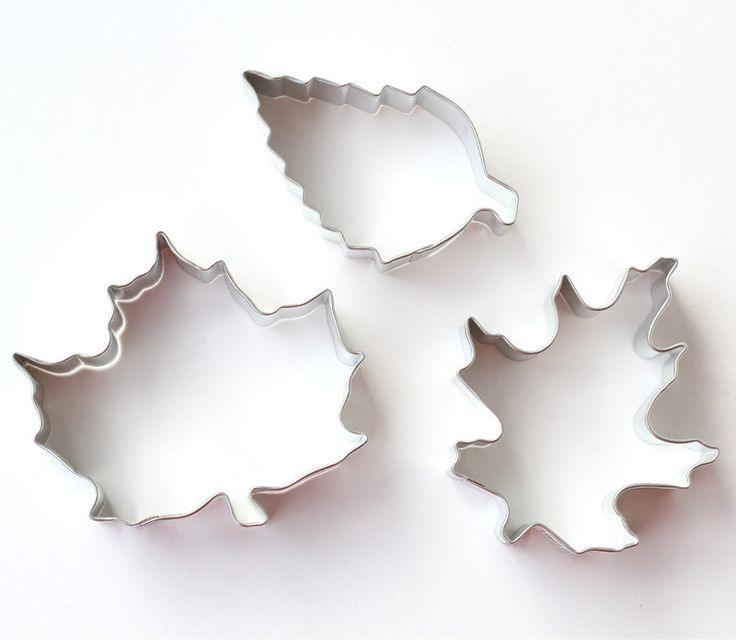 Leaf cookie cutters for Autumn or Thanksgiving cookies. You'll receive 3 cookie…