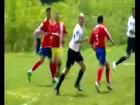 FOOTBALL ON THE  BREAD !