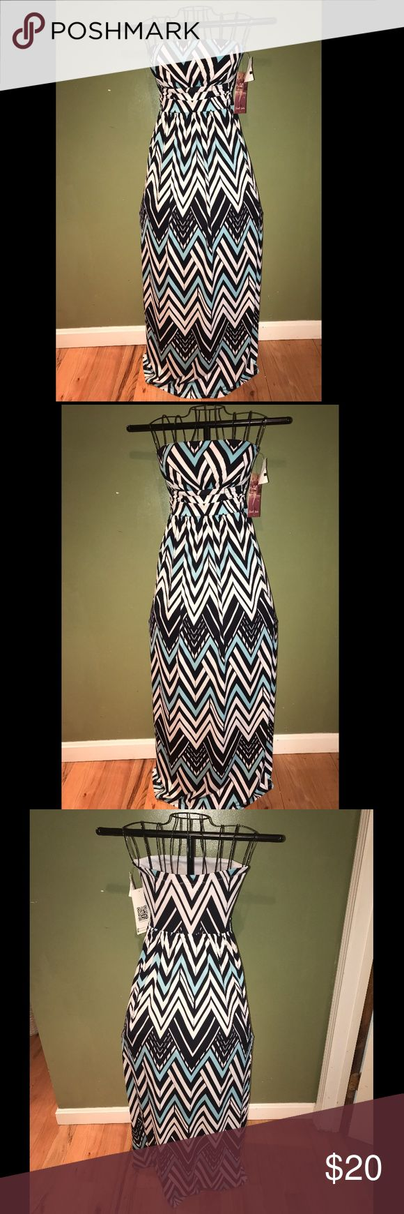 NWT -Never Worn Emerald Sundae Dress..🎉🎉🎉 Never worn (too small). Strapless and has Padded Top. Black, White, Blue Chevron dress...Bundle and save!! Emerald Sundae Dresses High Low