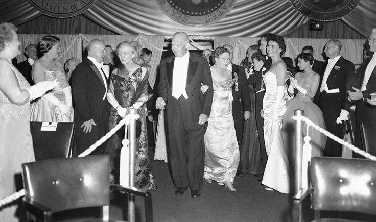 © AP Photo Дуайт Эйзенхауэр на инаугурационном балу, 1957 год | РИА Новости - события в России и мире: темы дня, фото, видео, инфографика, радио