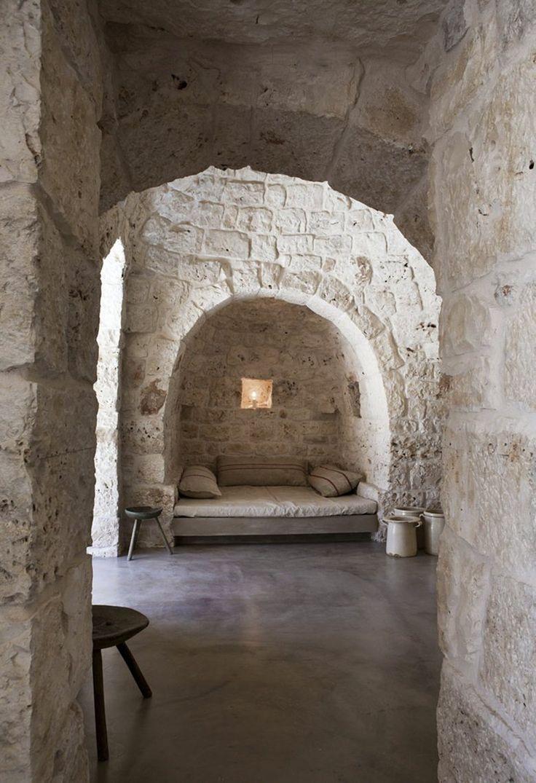20/07/2012 – L'architetto emiliano Luca Zanaroli ha da pochissimo completato la ristrutturazione di un piccolo trullo saraceno (fabbricat