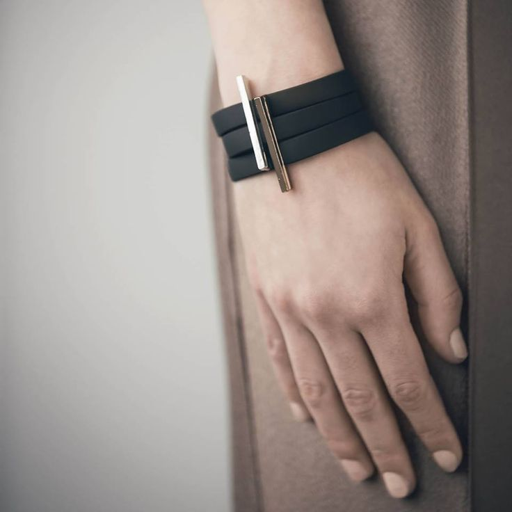 Bracelet d'Anne-Marie Chagnon tout simplement unique en son genre.
