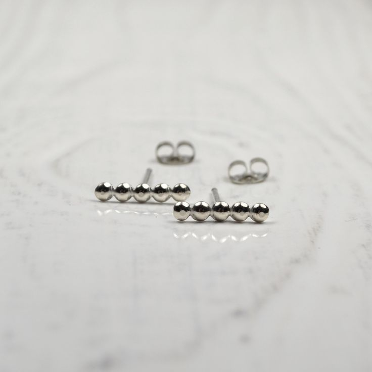 Silver Bubble Line Post Earrings by TrishaFlanagan on Etsy https://www.etsy.com/ca/listing/268270446/silver-bubble-line-post-earrings