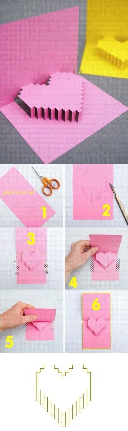 Maak van papier of karton een kaart met een pop-up hart. Werk met je geodriehoek. Teken en meet nauwkeurig. Gebruik een afbreekmesje lineaal en snijplaat.