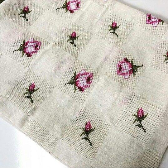 Blancket embroidered