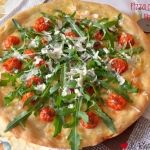 Pizza con Rucola e Pomodori