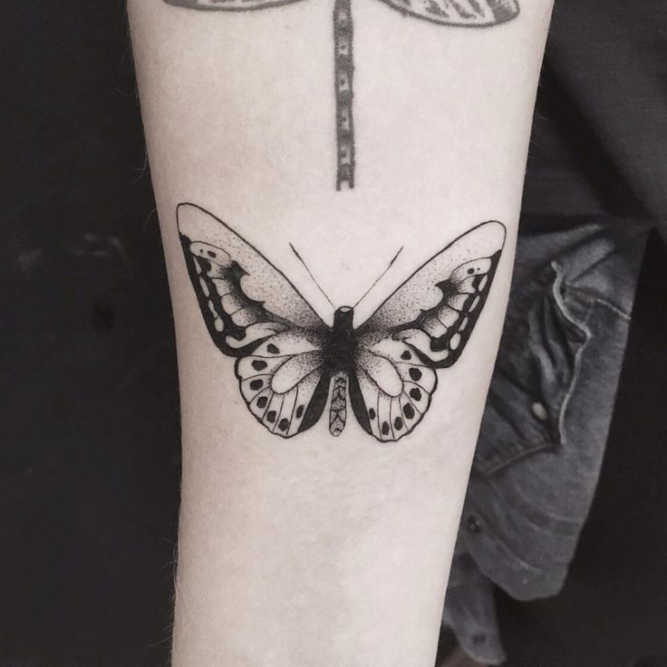 Borboleta antebraço. #tattoo #gui_tattoo #tatuagem #tattoos #tatuado #tatuador…