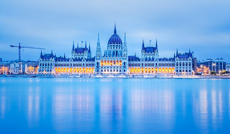 https://flic.kr/p/eHhkEm | Budapest Parliament at 4.30 am