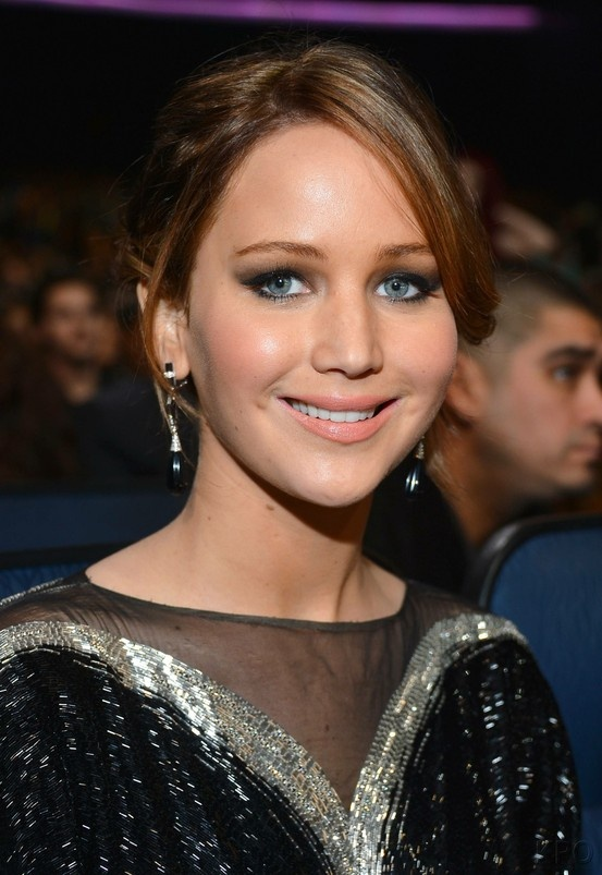 Oh before i forget! Congrats to Ms. Jennifer Lawrence she is nominated for Best Actress in Oscars! She is nominated twice at her age! Wow!!