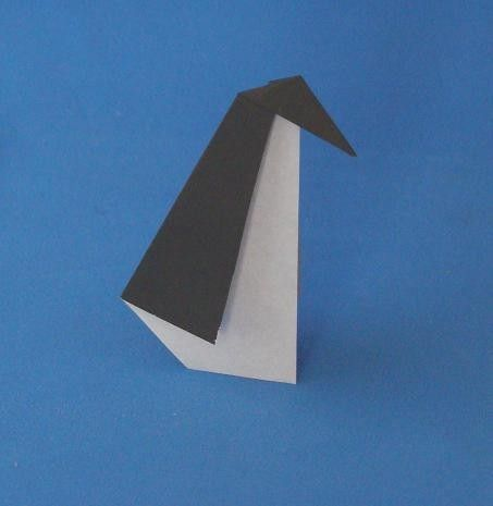 This is a Simple Origami Animals - http://www.ikuzoorigami.com/this-is-a-simple-origami-animals/
