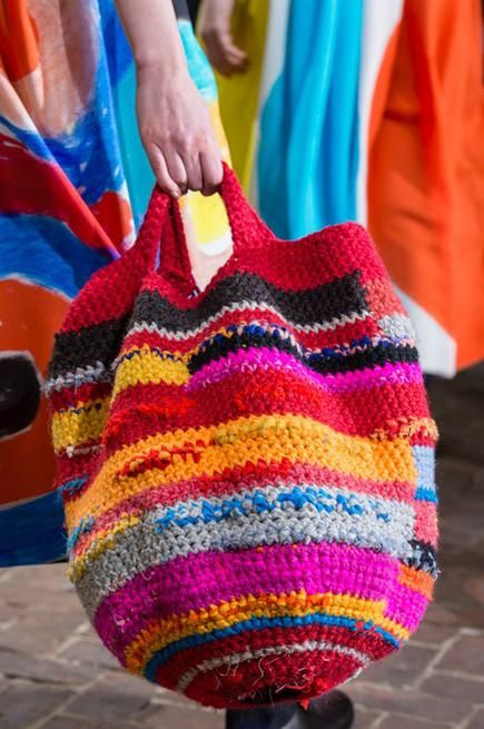 Wow I remember, when I was little, my baba used to crotchet purse, just like this, for me so I could go and buy bread, and now it's fashion. Daniela Gregis Milano, Autunno Inverno 2017/2018