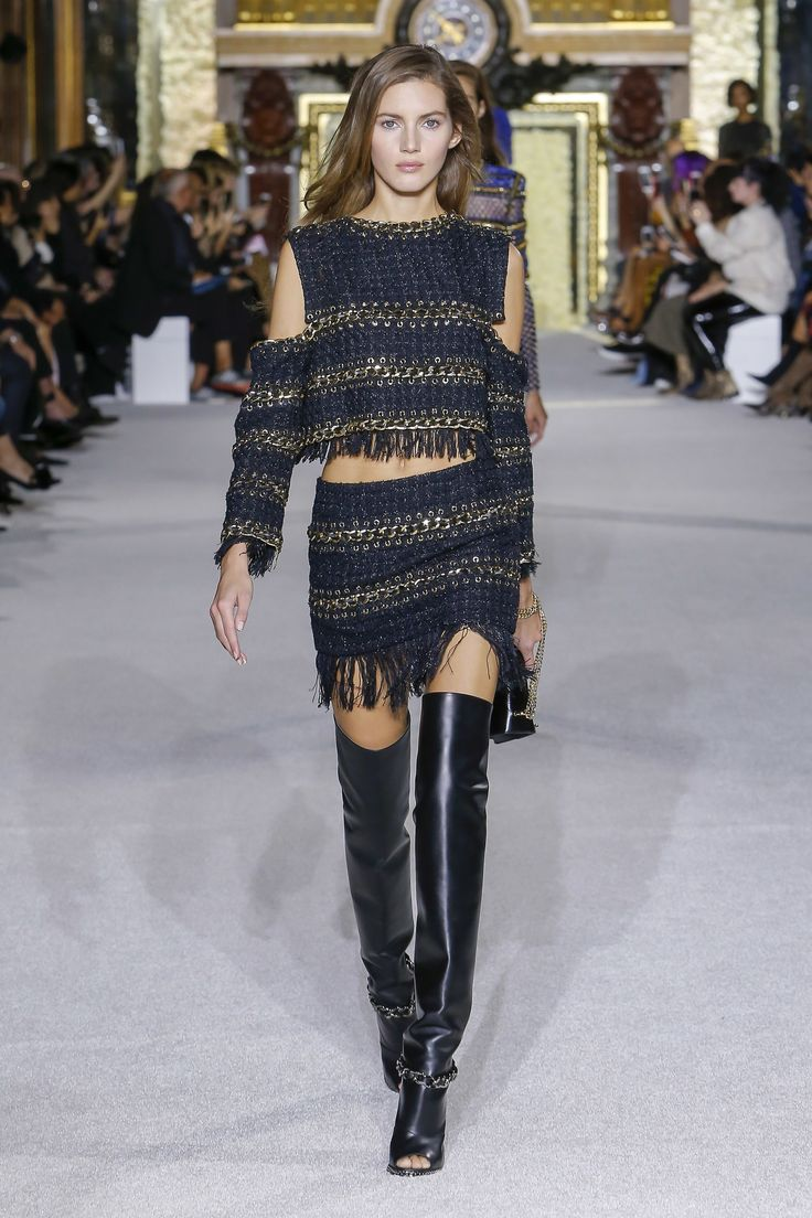See the complete Balmain Spring 2018 Ready-to-Wear  collection.