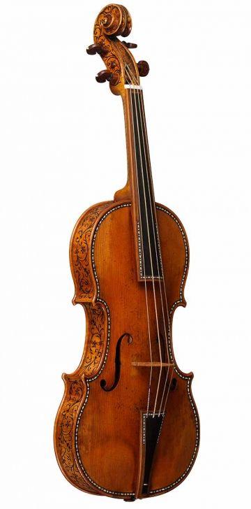 The 1683 'Cipriani Potter' Stradivarius © Ashmolean Museum, University of Oxford