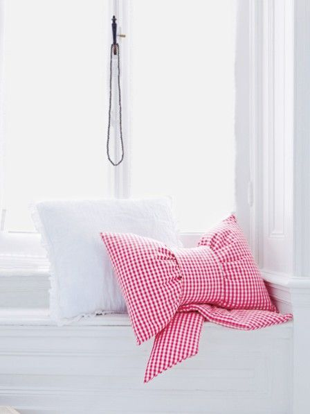 diy sewing tutorial bow pillow