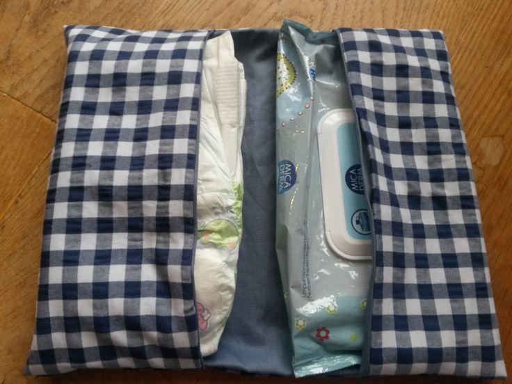 Handgemaakte luieretui blauw-wit geblokte/geruite stof