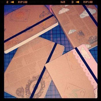 """""""Old dreams"""" notebooks - 7 euro cad Con elastico nero, interno a fogli bianchi A6 sized"""