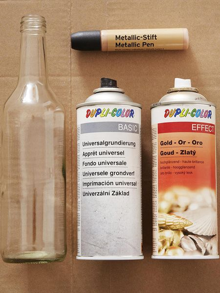 Sparen Sie sich den Gang zum Altglascontainer. Mit unserer Anleitung basteln Sie aus Ihren alten Flaschen im Ruckzuck wunderschöne Vasen.