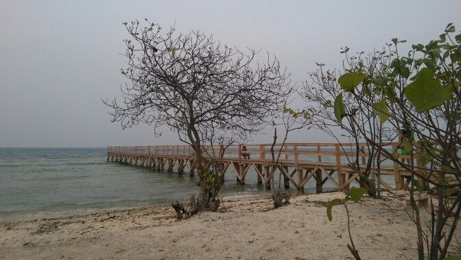 Jembatan Cinta Pulau Tunda