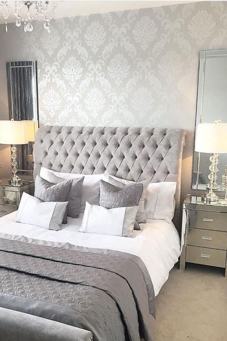 Décoration luxueuse chambre parentale avec tête de lit grise