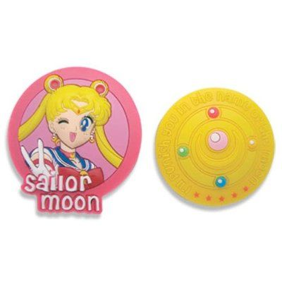 New official Sailor Moon / Usagi Brooch Pin Set! More info on where to buy it here http://www.moonkitty.net/reviews-buy-sailor-moon-pins-buttons-badges.php