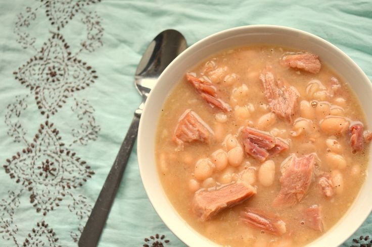 Ham and Bean Soup.  This is one of my favorites!: Recipes Yummy, Hams Soups, Good Ideas, Recipes Soups, Soups Recipes, Hams Hock, Hams And Beans, Favorite Recipes, White Beans Soups