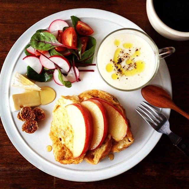 .@keiyamazaki | Today's breakfast. Camomile and Lemon grass Tea French toast, Turnip soup か... | Webstagram