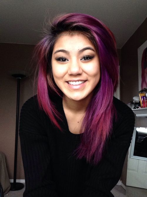 fuchsia hair. This is so incredibly pretty. I wish I had hair that dark naturally so I could pull this off.