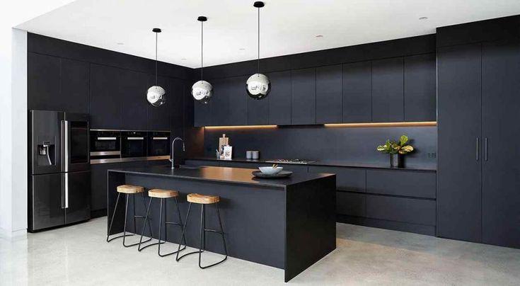 Luxury Kitchen Design, Kitchen Room Design, Kitchen Layout, Interior Design Kitchen, Modern Kitchen Interiors, Kitchen Modern, Black Kitchen Decor, Black Kitchen Island, Home Decor Kitchen