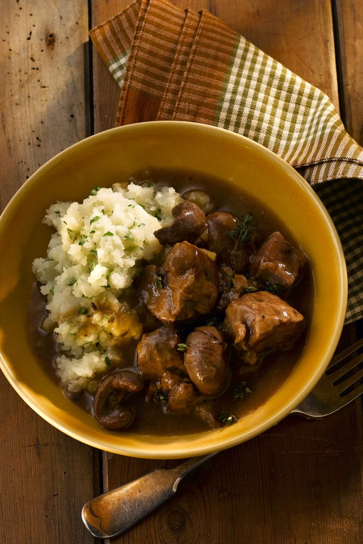 Hearty Lamb Hot Pot with Cauliflower Mash. http://celebrityslim.com.au/recipes/beef-lamb-pork/hearty-lamb-hot-pot-with-cauliflower-mash
