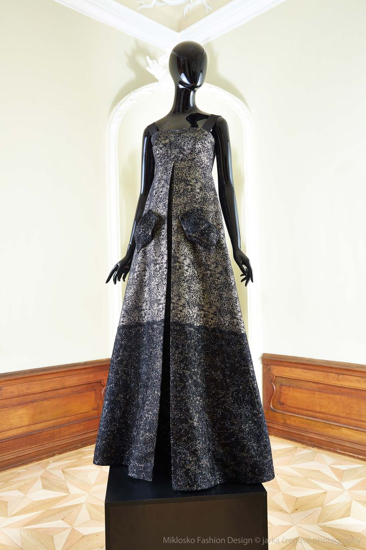 10. MFD Black and gold ball gown. www.mikloskofashiondesign.sk