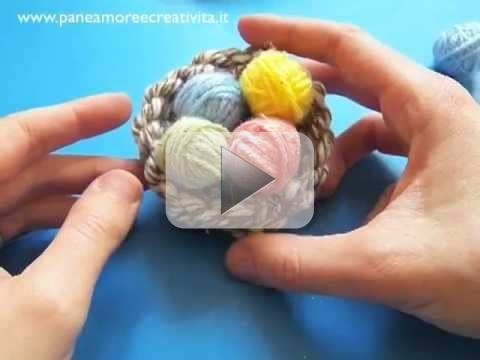 Decorazioni di Pasqua, video tutorial per le uova e il nido di lana