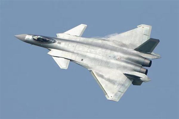 Menhan Taiwan : Jet Tempur F-16V Bisa Bersaing Hadapi Jet Tempur J-20 | http://www.hobbymiliter.com/4873/menhan-taiwan-jet-tempur-f-16v-bisa-bersaing-hadapi-jet-tempur-j-20/