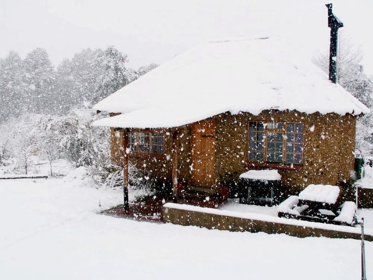 """Sani Lodge Backpackers sits in the KZN Sani Pass winter wonderland. See more on https://goo.gl/WfZYPb Sani Lodge is a peaceful country haven, offering rural charm, superb views, and home-cooked meals topped by a """"home away from home"""" atmosphere."""