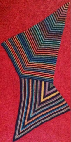 Patchwork stricken und mehr : Ein neues Drachen/Spitzpatch Tuch